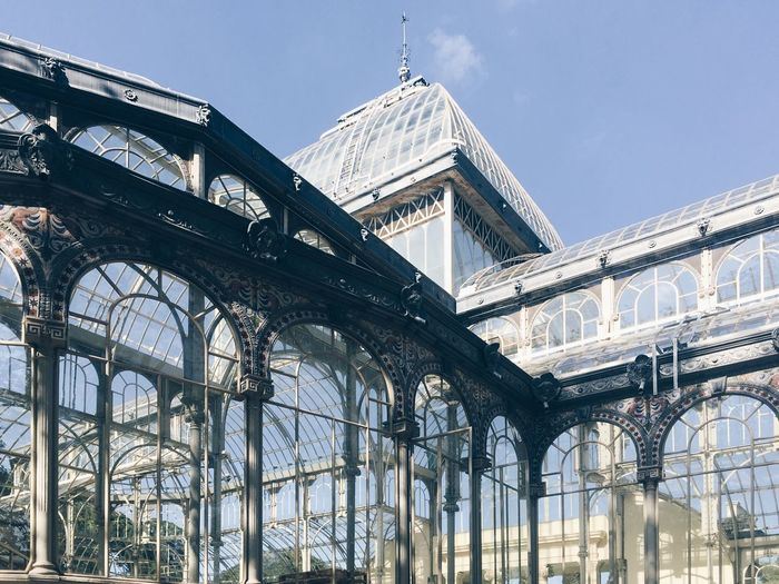 Parque Del Retiro Palacio De Cristal Madrid Low Angle View No People Travel City Metal Arch