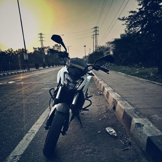 Bikes Road Transportation One Man Only Street One Person Riding Only Men Full Length Day Outdoors Sky Adults Only People Adult Men Dominar400