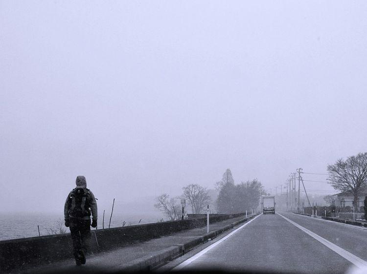 Lone Walker Winter 冬 Gray
