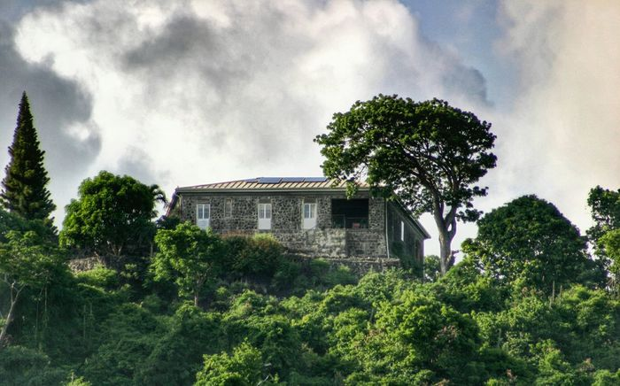 Grenada Hdrphotography House On The Hill Mountain Range