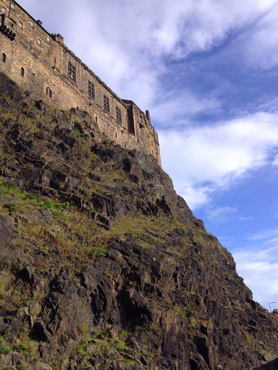 Edinburgh Castle Low Angle View Sky Cliff No People Day Castle Scotland Look Up Fortress Things I See Edinburgh Castle Vision Is Seeing Beyond What's In Front Of You Travel Built Structure Beautiful Stonework Travel Destinations History Outdoors Scottish Scenery Cool Exploring New Ground Perspectives On Nature