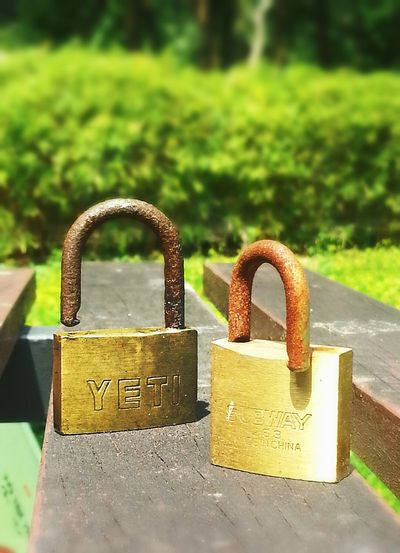 Freedom to both. My Tough Side Padlocks Mobile Photography Nature EeYem Best Shots Rust Urban Decay Macrophone