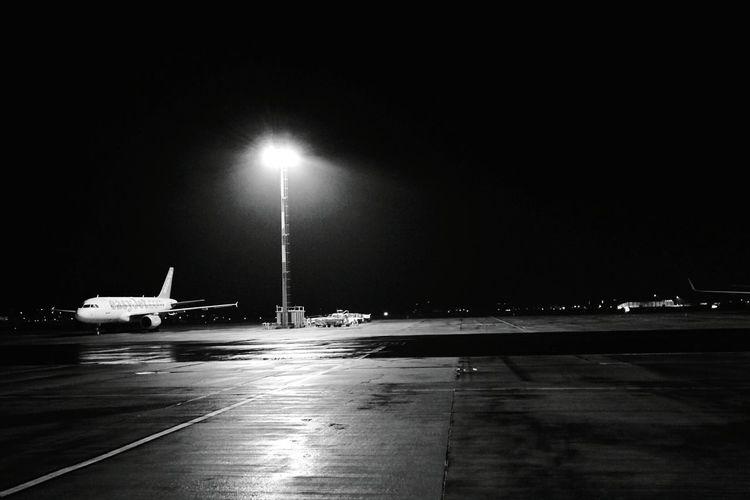 Day 221 - Nach Köln fliegen Berlin Blackandwhite Empty Empty Places Airport Schonefeld 365project 365florianmski Day221
