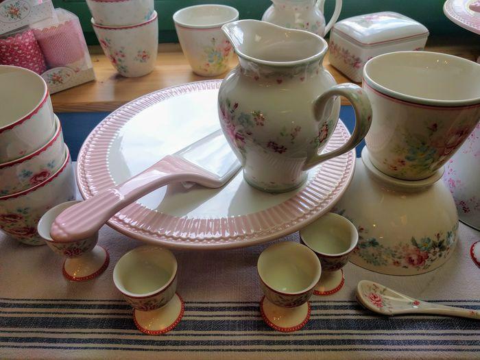 Keramik Geschirr Shop Sale Jug Mug Dishes Egg Cup Plate No People Tea Can Cake Plate Table Celebration Plate High Angle View Close-up Cakestand Tea Cup Teapot