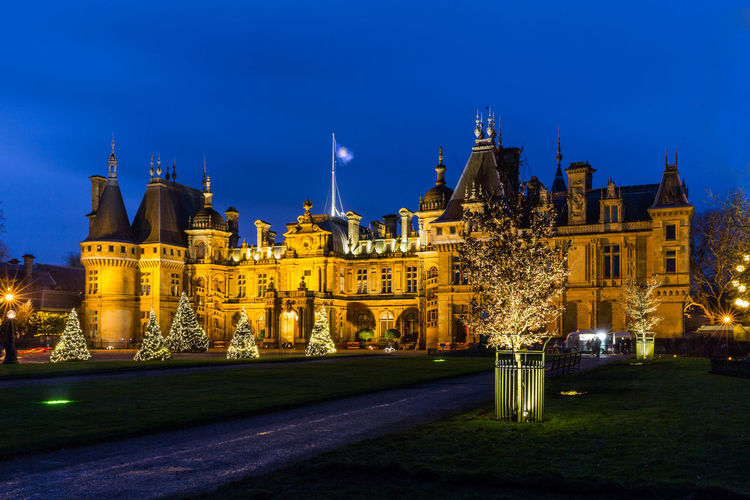 Waddesdon Manor ( National Trust ) illuminated with Christmas trees outside. Christmas Decorations Christmas Christmas Lights Night Lights Nightphotography Architecture Building Building Exterior Christmas Tree Château Illuminated National Trust Night Rotheschild Sky Stately Home Waddesdon Waddesdon Manor