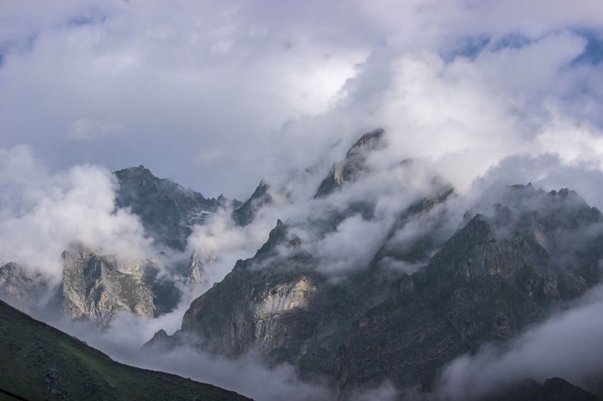 Misty mountain Fresh On Market 2018 EyeEmNewHere EyeEm Nature Lover EyeEm Gallery Northern India Himalayas Himalayas Mountain Mountain Range Mountain View Mountain Peak Mountains And Sky Mountains And Valleys Mountaineering Mountain Road Mountain Range Mountain Climbing Mountain Ridge Mountain Top Mountain Mountains And Clouds Mountain Top With Snow Snowcapped Mountain