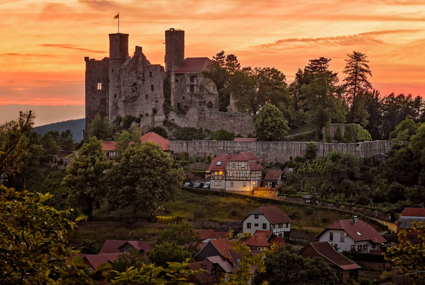 Burgruine Hanstein Burg Burgruine Hanstein Castle Historical Building Mittelalter Thuringia After Sunset Architecture Building Exterior Castle Ruin Hanstein History Medieval No People Outdoors Ruined Building Ruins Architecture Sunset