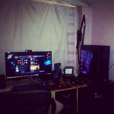 My lil gaming setup..