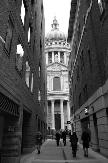 St. Paul's Cathedral, London Architecture Building Exterior Group Of People Lifestyles London London Black And White London Lifestyle London Streets Londonlife Perspective St Paul's Cathedral Wide Angle First Eyeem Photo EyeEm LOST IN London