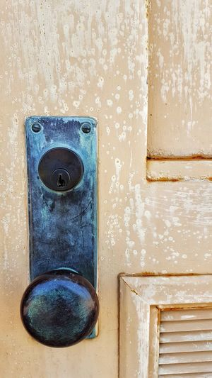 Door No People Close-up Day Textured  Blue EyeEmNewHere Doorknob Old Doorknob Locks Rust
