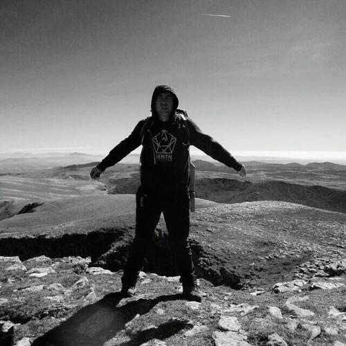Take on me...👣🗻 Landscape Mountain Mountain Range Adventure First Eyeem Photo The Great Outdoors - 2017 EyeEm Awards Molestias Muy Molestas Que Cerca Y Que Lejos Mountain Peak