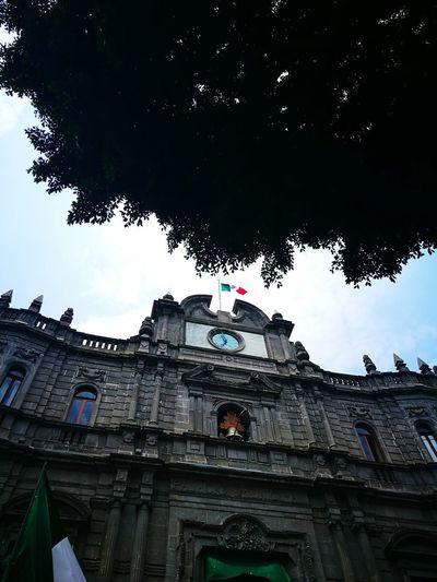 Politics And Government Architecture Flag Travel Destinations Mexico History Puebla De Zaragoza Visit México 🇲🇽🇲🇽 Municipal The Architect - 2017 EyeEm Awards