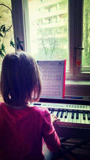 Early Piano Lessons. Piano Practice Lesson Music Learning