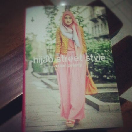 Hijabstreetstyle Dianpelangi Hijabers Instagood instadaily pictoftheday cc: @dianpelangi