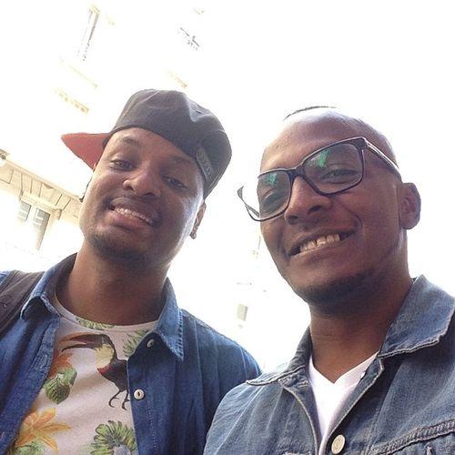 """Selfie Devant Lhopital Hipster concept """"j'adore le concept"""" @kwatuve"""
