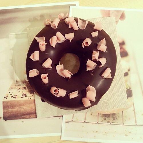 Desayunosbarcelona en @chockbarcelona. Descubriendo lugares Dulces ? ? Donuts Instafood .