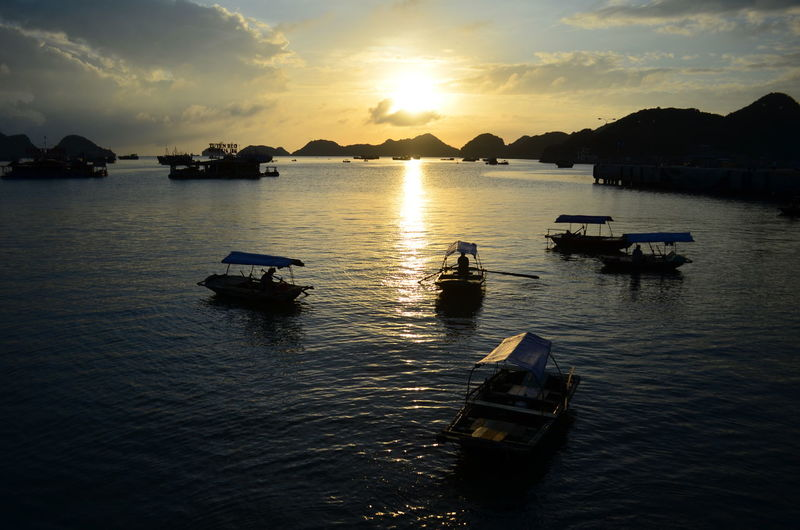 Sunset from Cat Ba island in Ha Long bay Cat Ba Island Ha Long Bay Sunset Sunset Silhouettes Boat Vietnam Backpacking