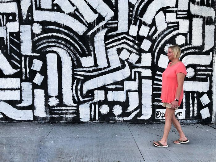 Wallart Murals VSCO VSCO Art And Craft One Person Wall - Building Feature Casual Clothing