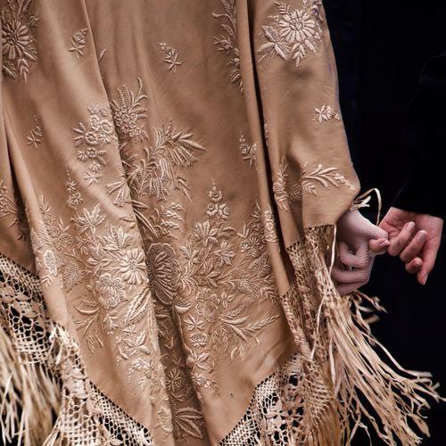 Danse  bretonne en habits traditionnels