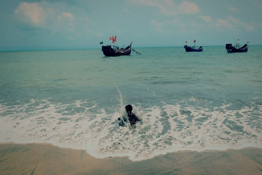 Sea Horizon Over Water Beach Day Cloud - Sky Outdoors Nautical Vessel Water Nature No People Sky The Photojournalist - 2017 EyeEm Awards Place Of Heart Live For The Story The Great Outdoors - 2017 EyeEm Awards Children Only Saintmartinisland Bangladesh Tranquility Tranquil Scene Travel Travel Destinations Wave Nature Landscape Lost In The Landscape Be. Ready.