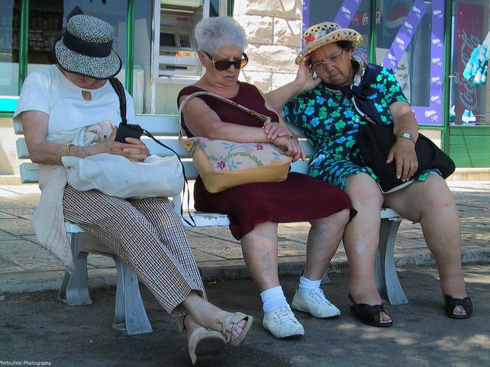 Here Belongs To Me Sleeping Women Bench Waiting Bus Street Photography Relaxing Nap Golden Girls