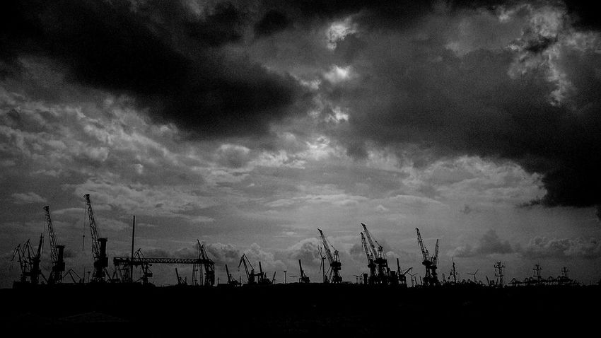 Monochrome Black & White Blackandwhite Eye4black&white  Eye4photography  Darkness And Light Light And Shadow Hamburg Hamburg Harbour HAMBURG ... Moin Moin