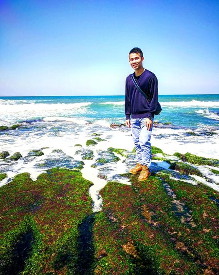 Sea Beach Standing Adult One Person Horizon Over Water People Men Only Men One Man Only Water Clear Sky Portrait Blue Young Adult Adults Only Nature Outdoors Relaxation Real People