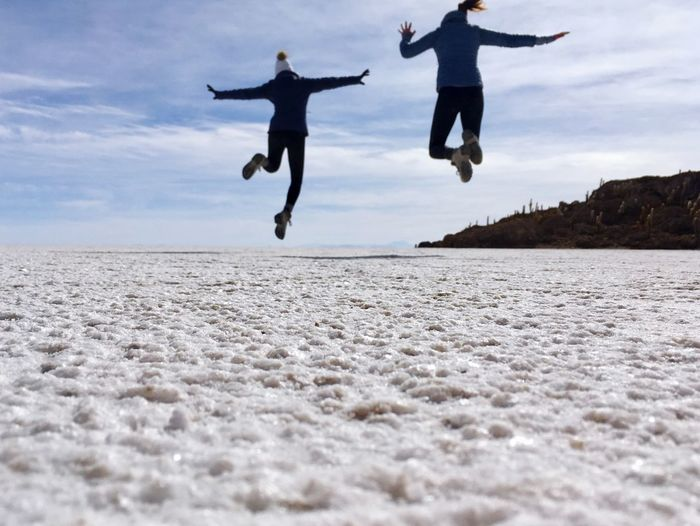 1 . 2 . ! Best Friends Cactus Island Landscape Desert Salt Flat Icecold Bolivian Altiplano Jumping Sky Land Enjoyment Leisure Activity Nature Lifestyles Positive Emotion Fun Motion People Togetherness