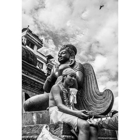 Man, Birdman and Bird. Basantapur, Kathmandu. Gaijatra. 30th August. Street Streetphotography Culture Gaijatra Cow Nepali  Nepal Kathmandu Garuda Newar Nikon1j1 @streets_kathmandu Instagramersoftheyear Instagramersoftheyear_nepal