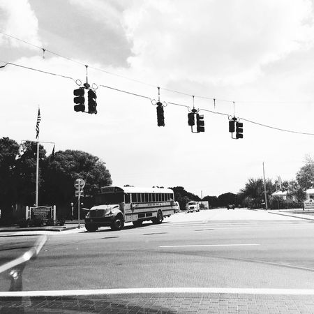 Florida 🇺🇸 Transportation Sky Road Traffic Signal Land Vehicle School Bus Travel Roadtrip Summer Florida Life Florida Travel Photography The Week On EyeEm