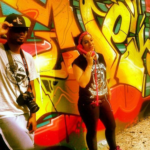 Got the chicks with the Swagphones at the video shoot Snowgoons on da beat