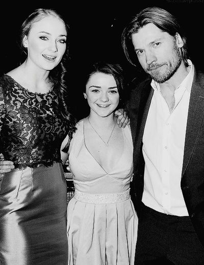 Gameofthrones The Song Of Ice And Fire Nolifewithoutgameofthrones Game Of Thrones Aryastark Jaimelannister Sansastark Sophieturner Nikolajcosterwaldau Beauty