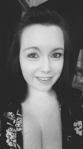 Selfie Blackandwhite Smile Nightout Flowers