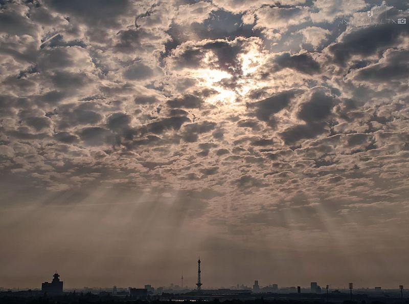 VIEWofBERLIN Berlin Berliner Ansichten My Fuckin Berlin Clouds And Sky Sunrise Skyline Silhouette Enjoying The Sunrise Enjoying The View Charlottenburg  Sunrays Dramatic Sky City Backlight Dawn