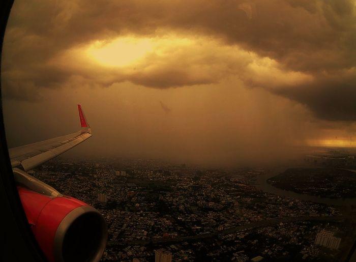 Airplane Wing Cloud - Sky Flying High Lightning Storm Polaroid Cube Rainsky Sky Sunset Travel Photography Vietjet Air Flying High