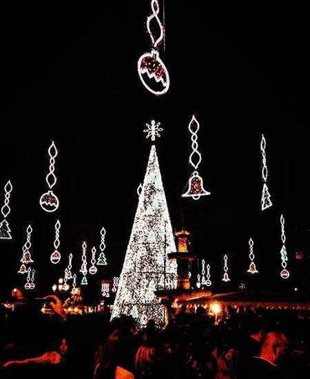 """""""Την ουσία τα μάτια δεν την βλέπουν"""",επανέλαβε ο μικρός πρίγκιπας για να το θυμάται.🎈🚹 Athens σύνταγμα Lights Christmas Christmasspirit στολίζουμετηνΑθήνα Decorating Sharingourlove Beingourselves Friends Love Christmaslove Feelingblessed Happysaturdaynights Onlylove VSCO Vscocam Vscolove Vscomood VscoChristmas Vscofriends Vscobelief Vscogreece Vscoathens Instalove instamood instapic instachristmas instalifo instadaily"""