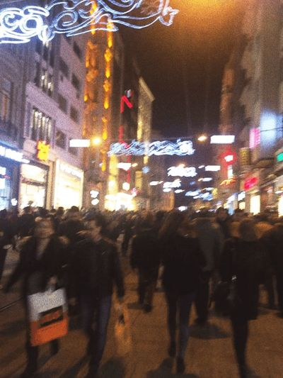 Taksim Istiklalcaddesi Turkey People Shop
