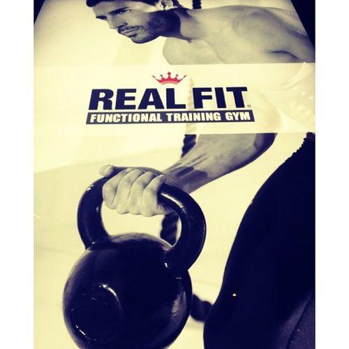 ⋆ ⋆ 今日ももちろんTraining? GYMの宣伝ではありません(笑) ⋆ #Training#realfit#ビールの代わりにプロテイン