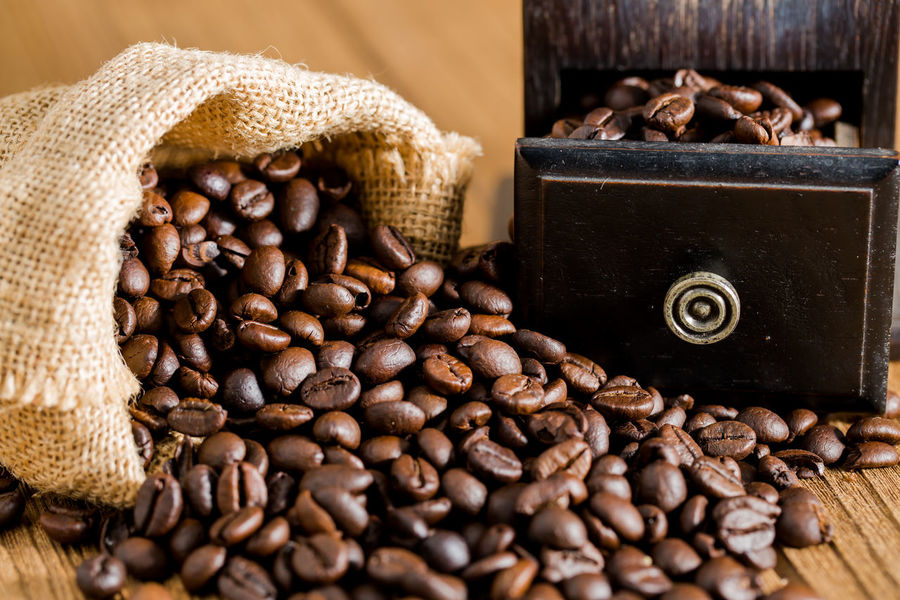 coffee bean Food And Drink Brown Close-up Coffee Bean Drink Food Food And Drink Freshness No People Raw Coffee Bean Roasted Roasted Coffee Bean Sackcloth Table Wood - Material