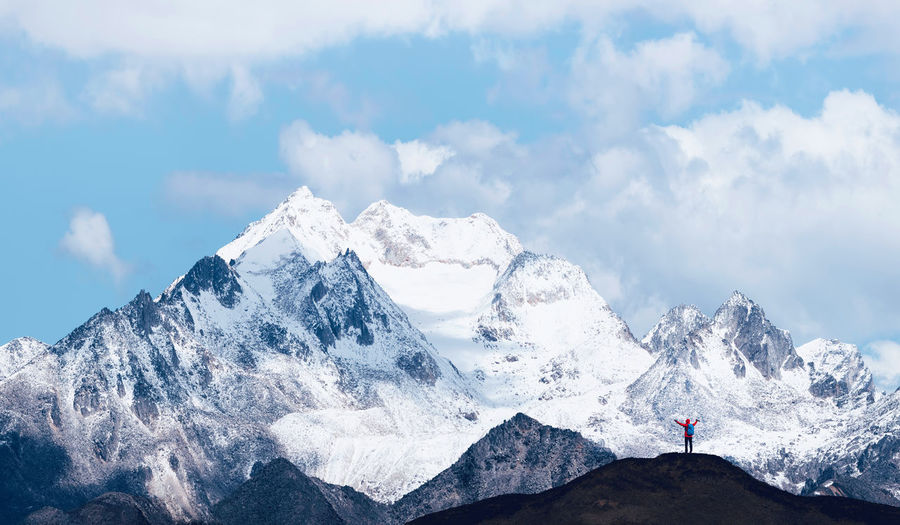 Snow mountain hiking China Landscape Mountain Sky Cloud - Sky Beauty In Nature Nature Scenics - Nature Travel Destinations Travel Men One Person Real People Adult Traveling Outdoors Leisure Activity Mountain Range Tranquil Scene Snowcapped Mountain Adventure Snow Cold Temperature Hiking Freedom Mountain Peak
