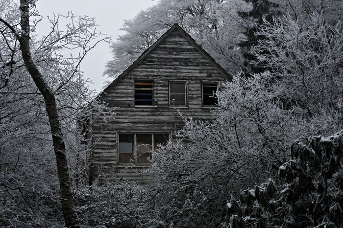 Abandoned Beauty Of Decay Damaged House Monochrome Old Rurex Old But Awesome Weathered Lost Abandoned Places Lost Places Winter Wonderland Houses HomeAlone House In The Woods House In The Forest