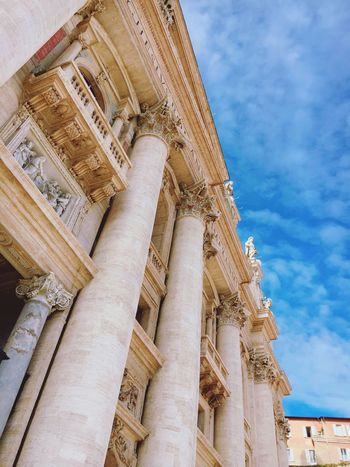 Vatican VaticanCity Architecture Museum Vatican Museum Italy Loveitaly Weather Sunny Light Cloud Sky