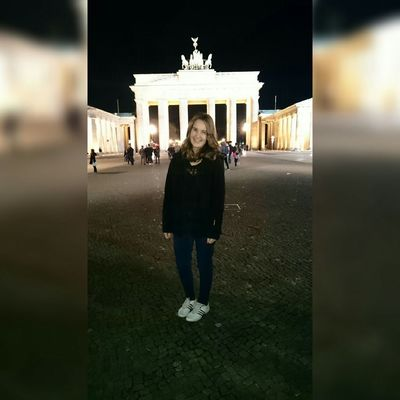HelloBack Nicetoseeyou Iamback Berlinarchitecture Brandenburger Tor Nicetrip Capital City Germany🇩🇪 Berlin had a great time there but now i am at home in Bavaria maybe i am going to post more pictures of berlin 📷 Photo_of_the_day Its Me Sightseeing Nightphotography Enjoying Life Love This Place<3 Hashtagoverload