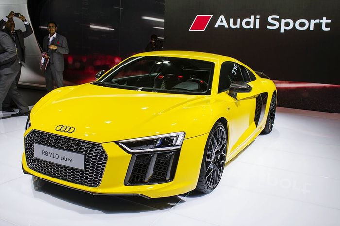 Q Audi R8 V10 plus what a car.....beautiful looks just like a lady....found this at Auto Expo 2016 in India