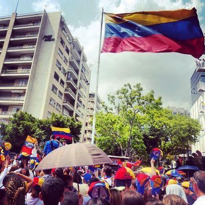 26m Chacaito Venezuela SOSVenezuela ResistenciaVzla sos estudiantes gobiernocorructo prayForVenezuela fuerza elquesecansapierde concentracion caracas