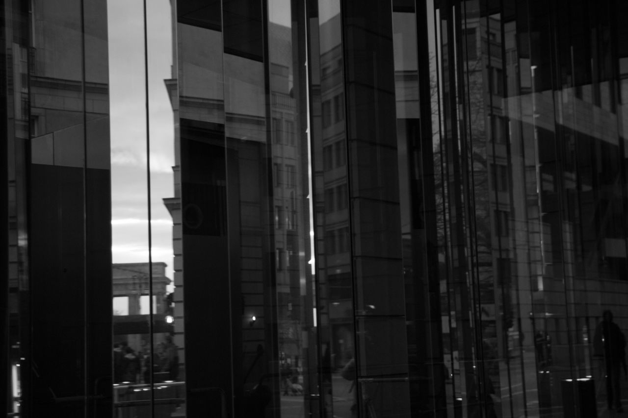 built structure, building exterior, architecture, building, glass - material, reflection, city, modern, no people, office building exterior, transparent, window, office, outdoors, full frame, glass, day, business, backgrounds