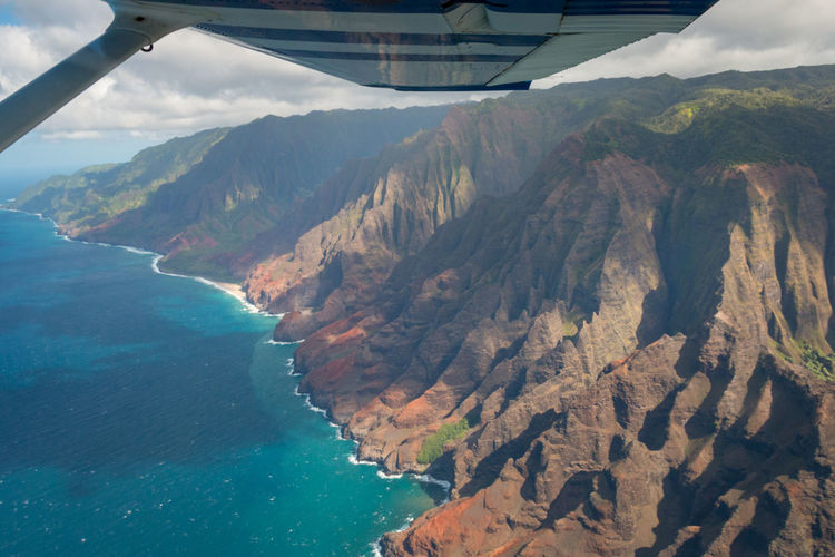 Aerial view of beautiful napali coast on the hawaiian island of kauai, hawaii, usa