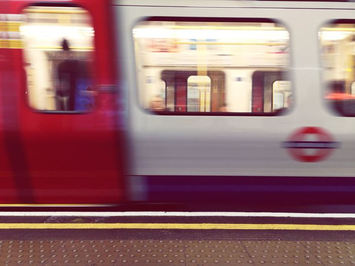 Always on the move Followme Travel Destinations Copy Space Longexposure Unrecognizable People Nopeple Huaweiphotography Huwaeip20 EyeEm Selects Backgrounds Wide Angle London