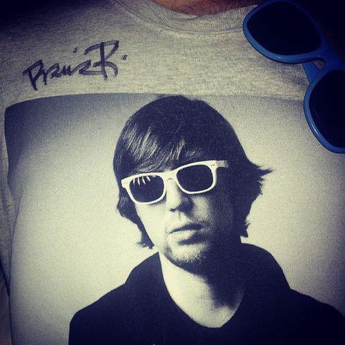 Lieblingsshirt ist jetzt Überlieblingsshirt! Thx @prinzpi23 Prinzpi Youfmnight Shirt style Hessentag Kassel casselfornia cassel nordhessen PrinzPivertontmeinLeben hiphop rap sunglasses