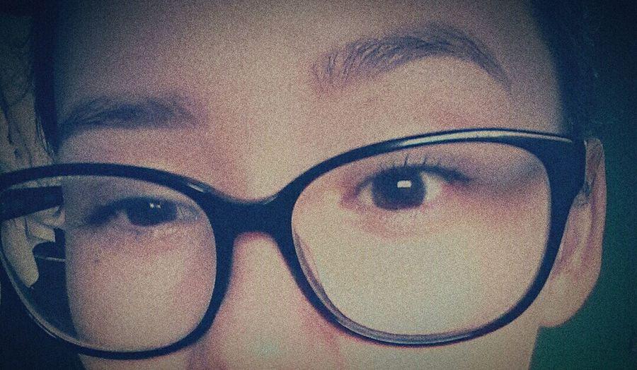 Sobrancelhas feitas, adooorooo *-* @biamedeirosz Brown Eyes Me Sobrancelhas Girls